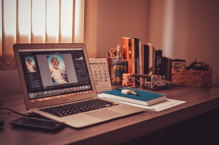 Comment faire un montage photo avec Photoshop cs6 ?