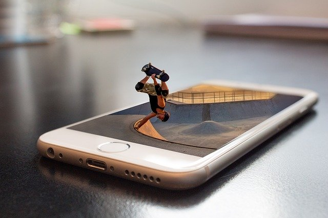 Comment faire un montage photo sur iPhone ?